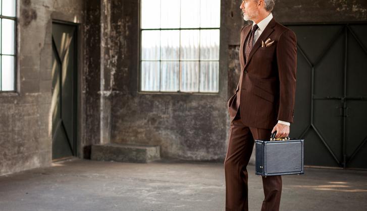 クリスペルカーフブレーメンは絶妙なサイジングが逸品の本革皮革鞄
