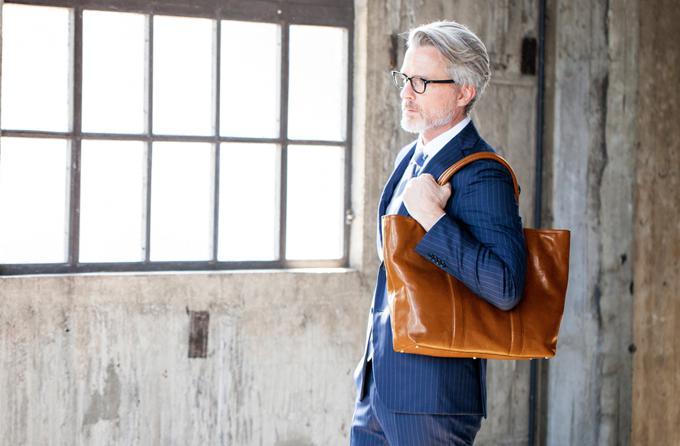 マットーネガブリエルは本物感雰囲気漂う皮革鞄