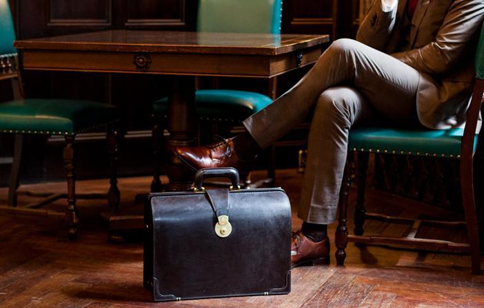 ブライドルダレスバッグは大人の男性へおすすめの本革鞄