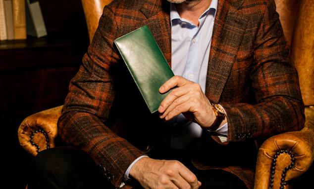 プルキャラックロンバルディアはビジネスシーンに欠かせないスマート財布